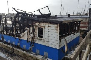 A houseboat in Shoreham was completely destroyed by fire SUS-200402-101315001
