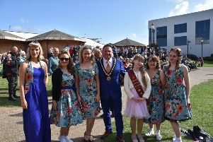 Mayor of Skegness Coun Mark Dannatt with artists at the Skegness Vinage Festival. Photo: Barry Robinson. ANL-190909-091041001