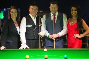 Lee with Jimmy White and top referee Michaela Tabb PICTURE: Monique Limbos EMN-190117-115903002