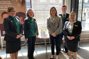 Victoria Atkins MP meets staff at the Lloyds Horncastle branch EMN-190515-103146001