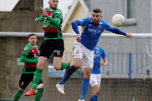 Glenavon and Glentoran finished with honours even at Mourneview Park.