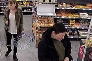 Do you recognise this man and woman? EMN-190804-151142001