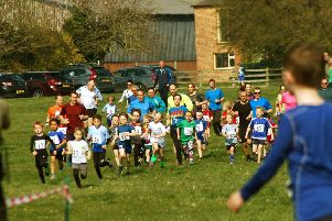 The start of the Pre-school and Reception race EMN-190404-155030002