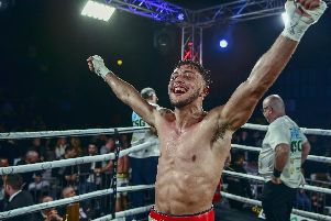 Mikey Mckinson celebrates his victory over Ryan Kelly. Picture: Scott Rawsthorne/ MTK Global