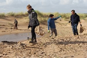 A SNH staff volunteer day saw members pick up rubbish at Forvie beach clean
