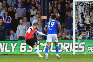 Elliot Lee tucks home his penalty this evening