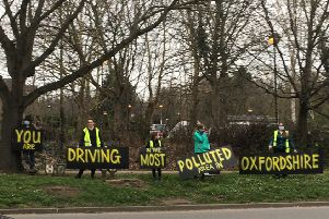 The pollution demonstration in Banbury. Photo: Cassi Perry NNL-190325-105813001