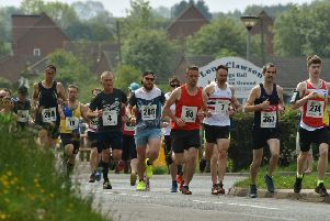 The start of the 2019 Clawson 10k EMN-190521-181955002