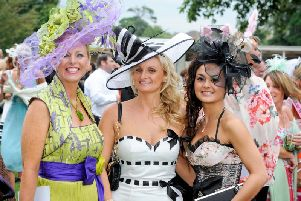 Ladies' Evening glamour at Fontwell Park / Picture by Connors for Fontwell Park