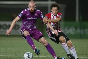 Barry McNamee haunts down Dundalk midfielder, Chris Shields.