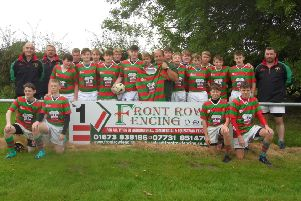 Market Rasen RFC Under 15s with Charlie Wright of new kit sponsors Front Row Fencing EMN-191021-144606002
