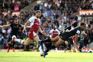Tom O'Flaherty dives over for his stunning second-half try