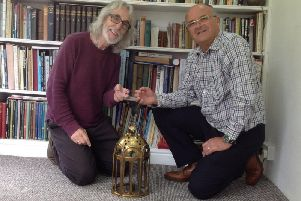 Gordon Giltrap MBE (left) and Mick Dolby (right) with the lamp he made. Photo submitted.