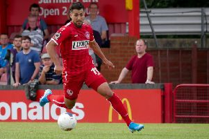 Striker Mo Bettamer, who has joined Hemel on a one-month loan from Barnet FC, in action against Wealdstone on Saturday. (Picture by Ben Fullylove).