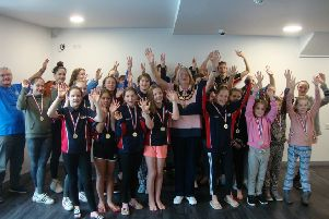 Thame Swimming Club teams with the Mayor of Thame.