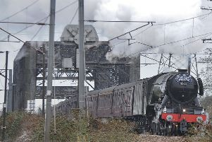 Flying Scotsman passes through Peterborough EMN-191101-140835009
