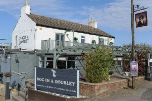 Dog-in-a-Doublet pub, North Bank near Whittlesey EMN-171017-153430009