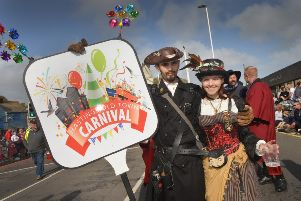Hastings Old Town Carnival Week 2019: Hastings Carnival procession SUS-191108-093415001