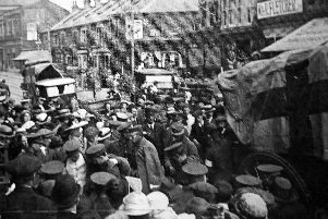 Wounded soldiers arriving at Fawcett Road Military Hospital, now Priory School.