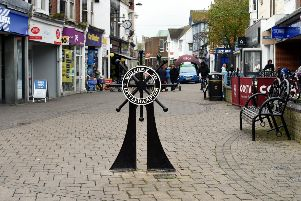 GV shot of Littlehampton town centre to go with drop in street drinkers story.'Littlehampton, Sussex''Picture : Liz Pearce 250415'LP1501291 SUS-150426-145847008
