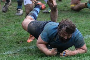 Joe Woods scores a try for Chi at Sevenoaks / Picture by Alison Tanner