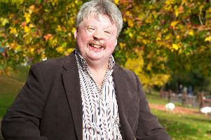 Simon Weston is on the hunt for inspirational people in Portsmouth to join the Amplifon Awards for Brave Britons 2019.