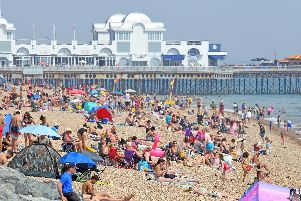 Portsmouth beaches were very busy yesterday - (190725-3281)