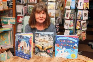 DM18102789a.jpg. Book signing with Julia Donaldson at Steyning Bookshop as she celebrates the release of three new books �' Animalphabet - The Girl, the Bear and the Magic Shoes - Bombs and Blackberries. ' Photo by Derek Martin Photography. SUS-181020-200632008