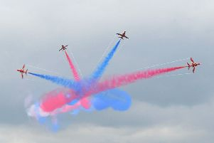 Red Arrows. EMN-181105-180639001