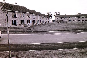 A view of the newly built Eslaforde Gardens council houses off Boston Road in Sleaford in 1965. EMN-141109-113951001