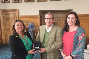 Mayor Michaela Boyle and Roisin Doherty, Curator at the Tower Museum, meet with Jos� Antonio Sierra in Derry.