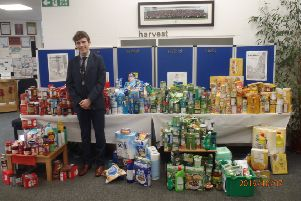 Carre's Gramar School's donation to Sleaford Community Larder. EMN-191028-174313001