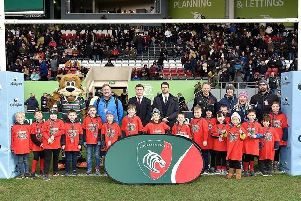 Sleaford RFC juniors on the pitch at Welford Road EMN-200901-125959002