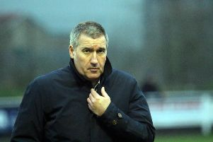 Banbury United manager Mike Ford NNL-190601-142930009