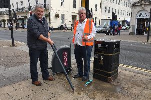 John Read of Clean Up Britain and Martin Whitbread of Steam-E demonstrate a Gum-E machine