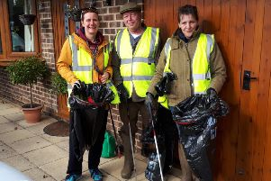 Litter pickers in Pulborough